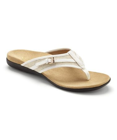 b7a2b74d90fb Vionic by Orthaheel Marisa - Women s Arch Support Sandal is podiatrist  developed to minimize overpronation and improve foot functionality.