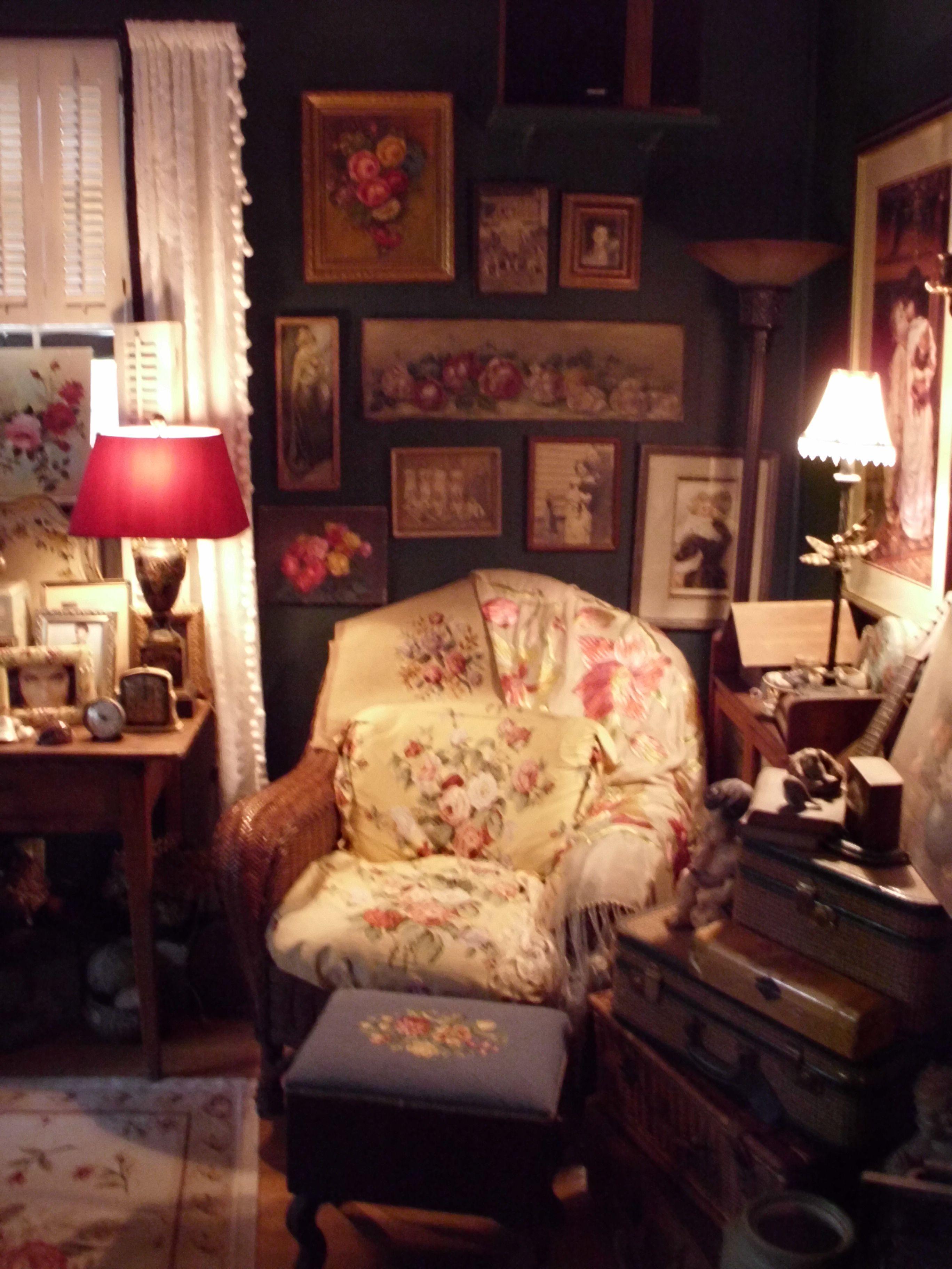 cosy cottage decor. Black Bedroom Furniture Sets. Home Design Ideas
