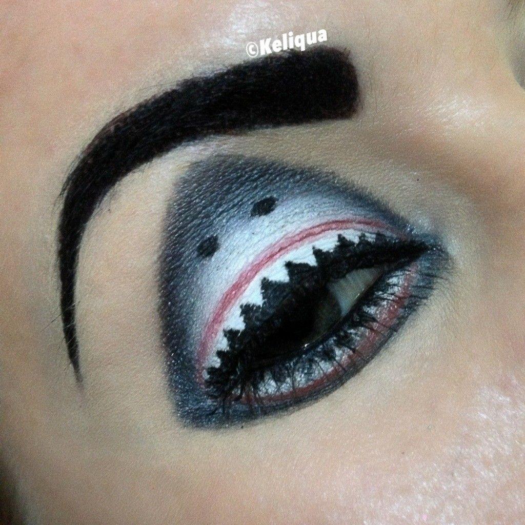 Look Hawaii Woman Has Incredible Sharkweek Eyes Shark Week