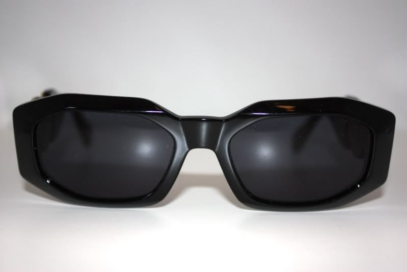 e58413d1f79e ZONE7STYLE  Vintage Versace Sunglasses Worn By Notorious B.I.G   Biggie