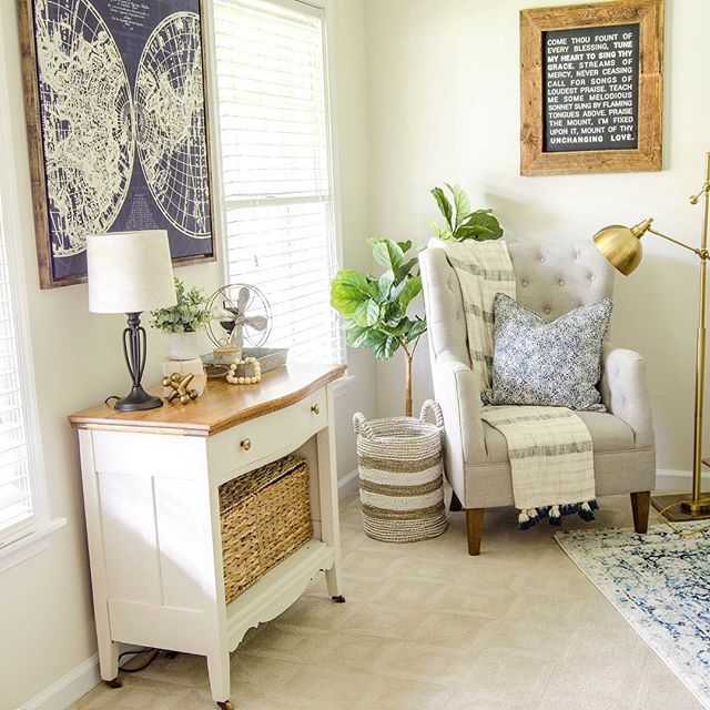 Super Cozy And Beautifully Styled Farmhouse Reading Nook Sitting Room Ideas Cozy Bedroom Reading Nooks Cozy Living Room Furniture #reading #nook #living #room