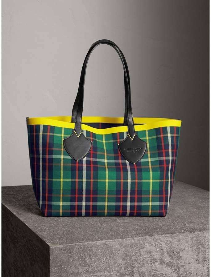 0995aaa8f Burberry - All Bags | Products | Burberry handbags, Reversible tote ...