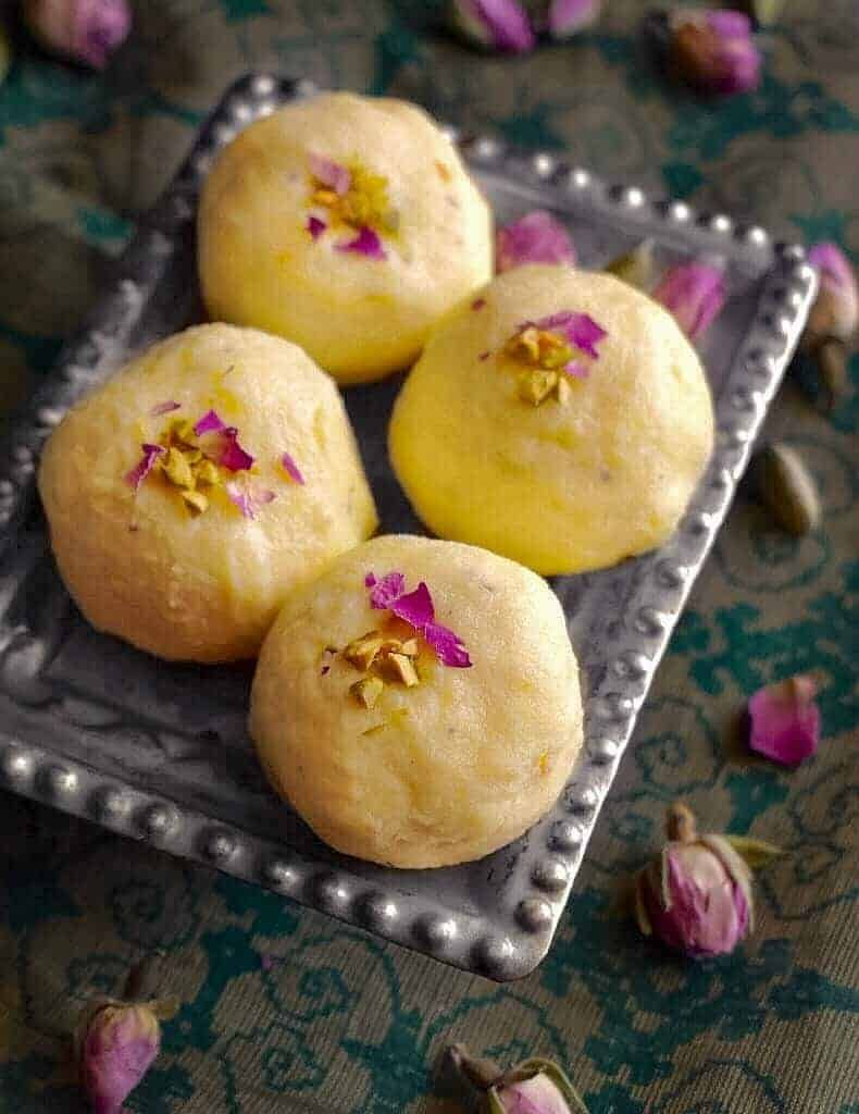 Bengali Kacha Golla Light Indian Sweet Using Ricotta Indian Sweet Light Desserts Food
