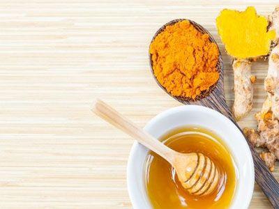 Xarope de mel e açafrão