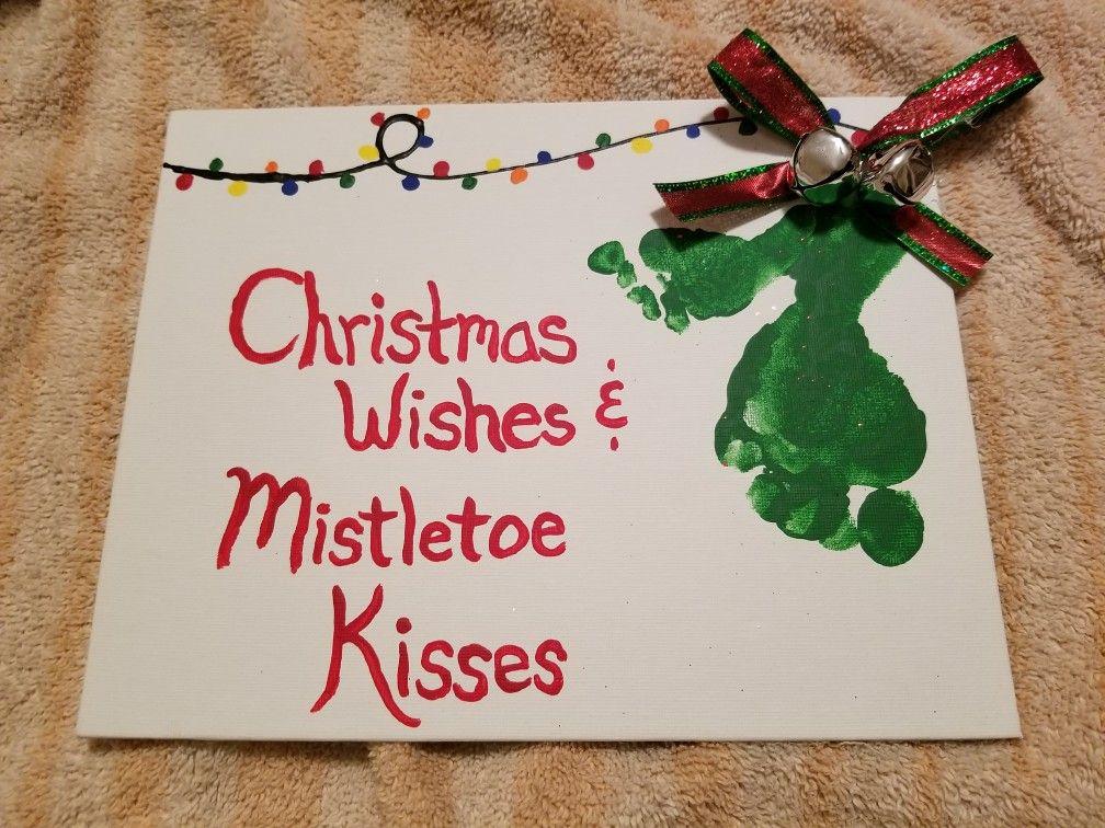 Christmas sibling footprint idea - mistletoe kisses #mistletoesfootprintcraft