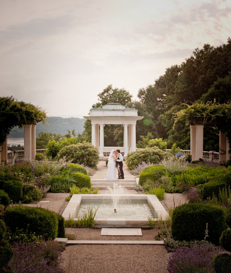 intimate wedding packages atlantga%0A A small  intimate wedding in Blithewood Gardens at Bard College   Annandaleon