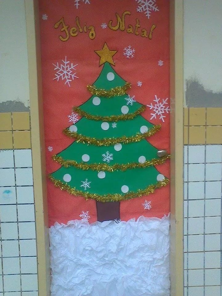 Christmas tree door primaria decoracion puertas for Ideas para decorar puertas navidenas