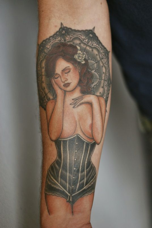Ron Koupal tatoueur de la galerie Royal Tattoo