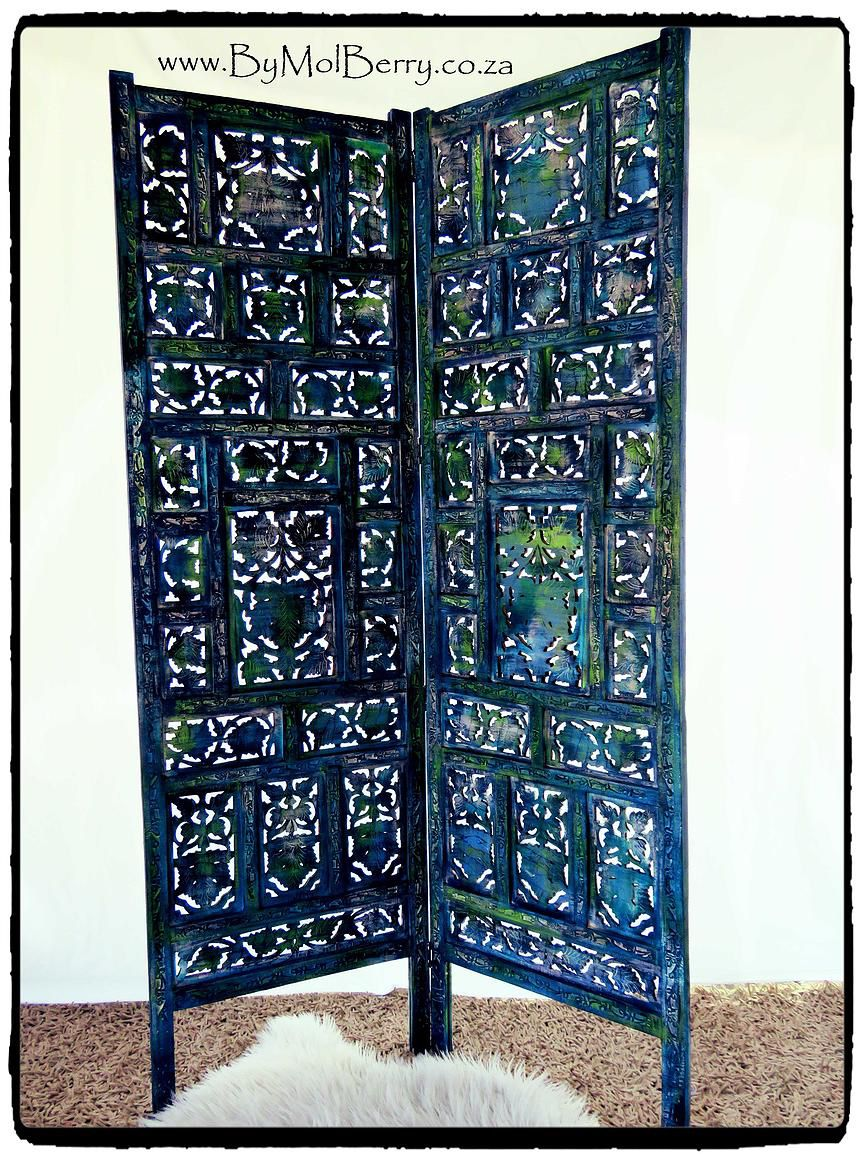 Refurbished cared room divider in blue with green.