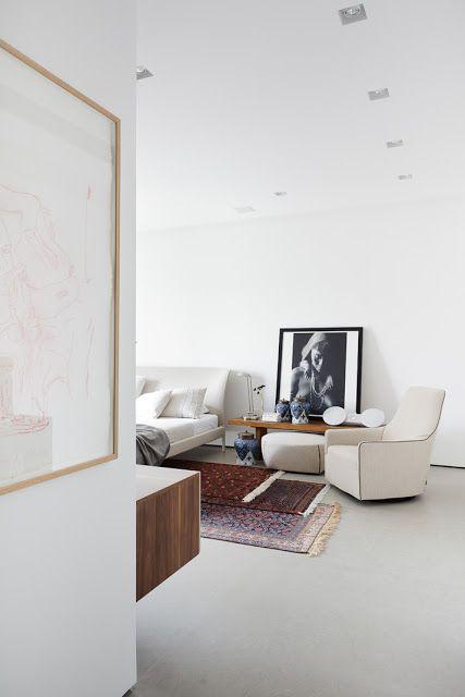 automatism: Home Gallery #minimalism #architecture #interior #interiordesign #white #minimal