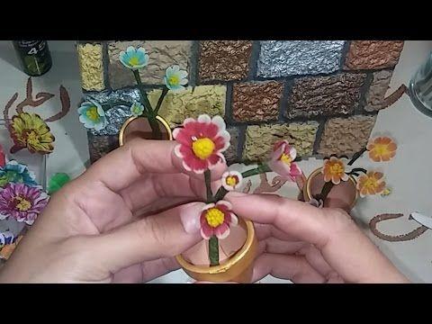 صنع الازهار الصغيرة بعجينة السيراميك لتزيين اللوحة الفنية الجزءfleur Flores Pequinas En Porcelana2 Youtube In 2021 Clay Art Art Clay