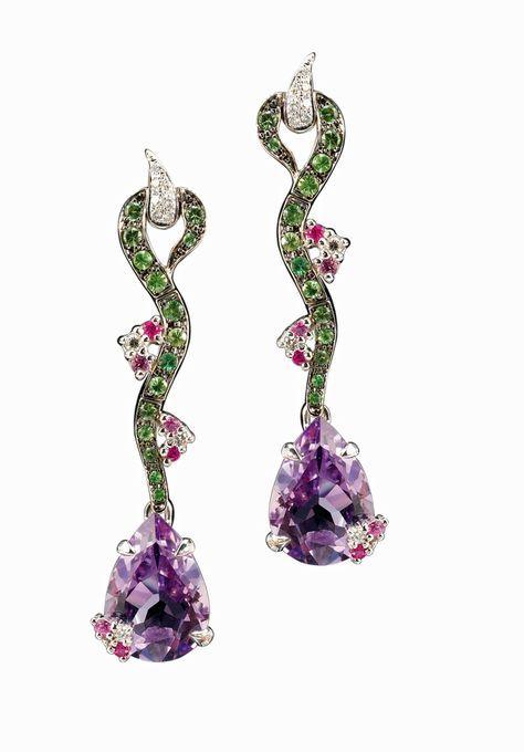 Paris-joaillerie.com...Isabelle Langlois Amethysts, emeralds, diamonds, and pink sapphires 2725 €