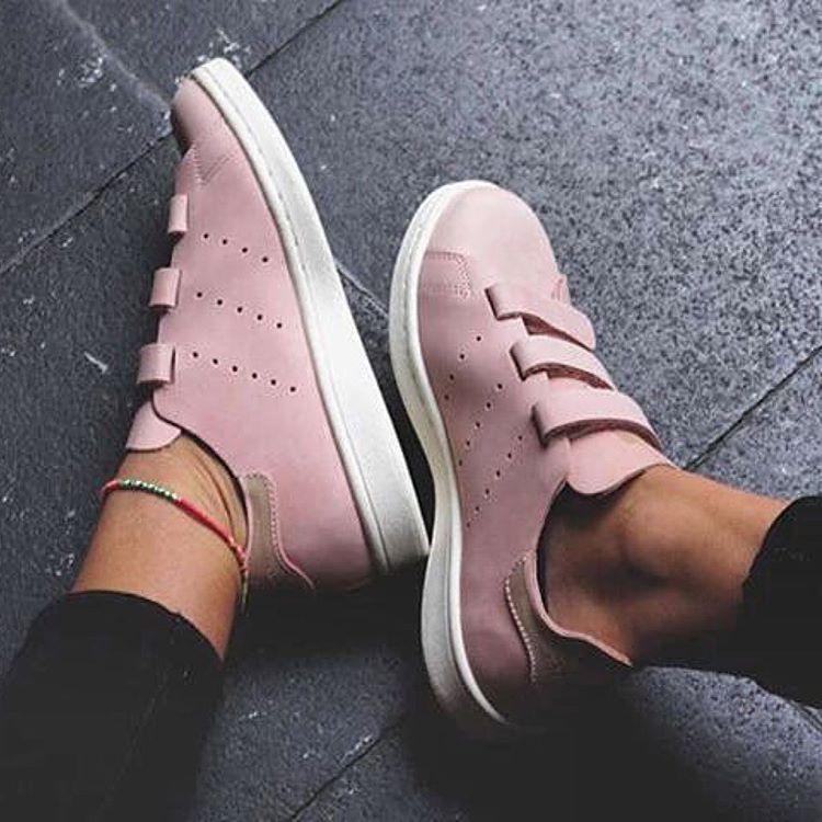 Women Shoes | Outfits, etc. | Chaussure rose, Baskets et