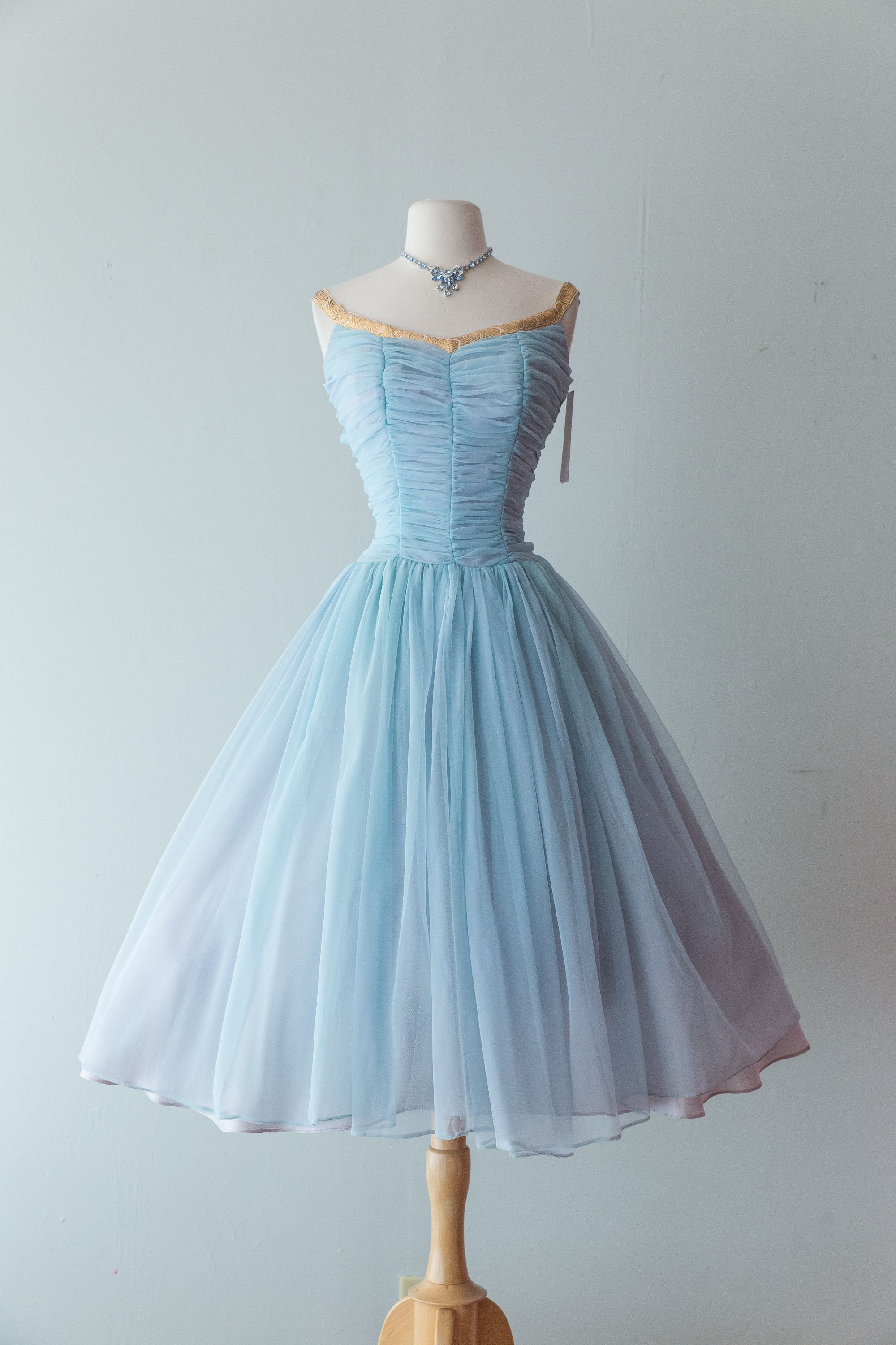Pin by Alina on Kleider | Pinterest | Blue party dress, Blue party ...