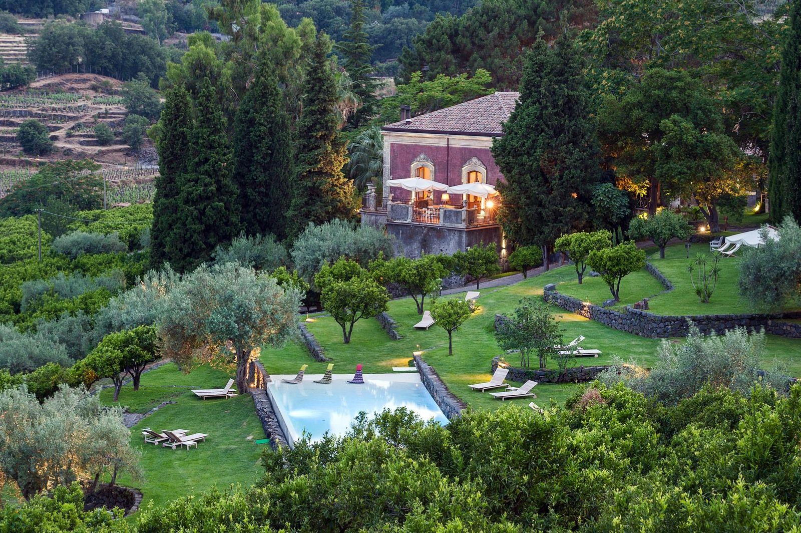 Siciliano hotel boutique Monaci delle Terre Nere