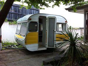 Crusader 1965 Caravan 65 classic retro vintage 10 ft camping