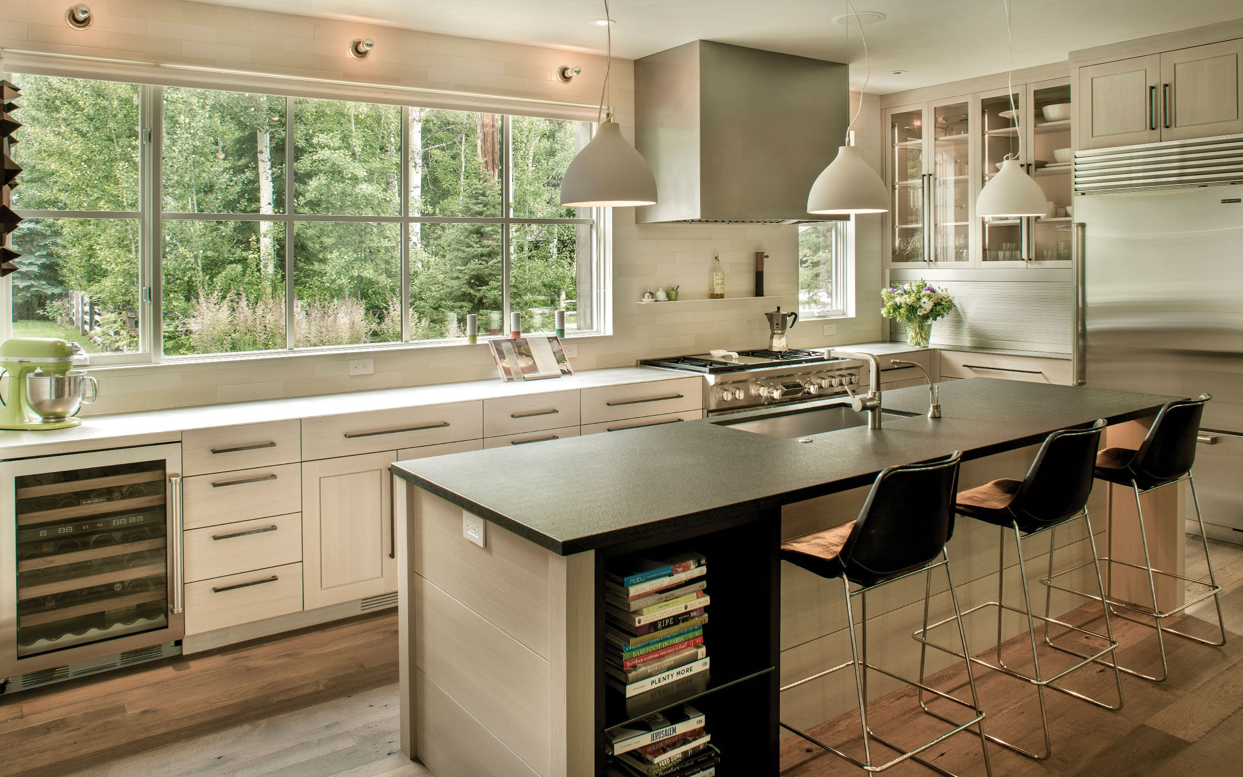 5379 Gallery   Contemporary cottage, Galley kitchen ...