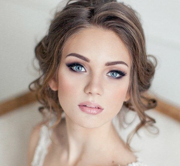 Easy Makeup Tips And Tricks For Look Gorgeous