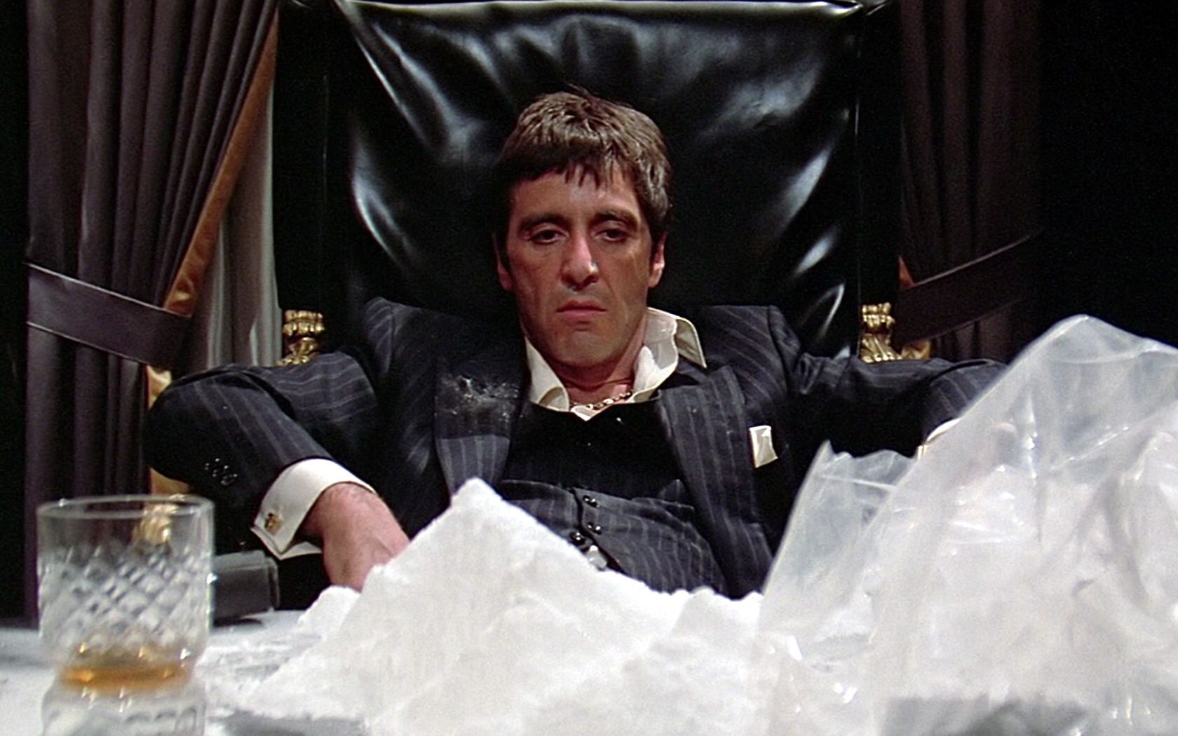 Image from http://www.cutthecap.com/wp-content/uploads/2015/03/scarface.jpg.