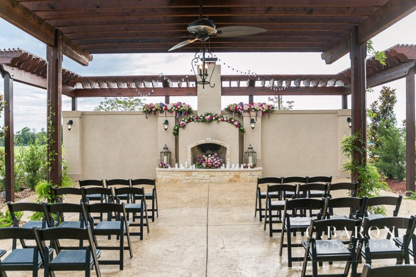9 Small Wedding Venues In Houston For An Intimate Bash Smallest Wedding Venue Wedding Venue Houston Small Intimate Wedding Venues