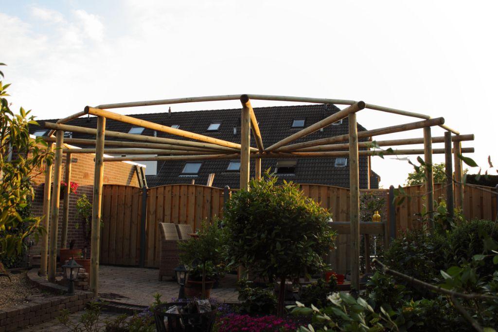 Prieel pergola paviljoen rondhout ronde palen geïmpregneerd hout