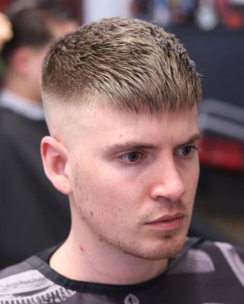 Herren Haare Haarschnitte Fade Haarschnitte Kurz Mittel Lang Summend Seitenteil Haare Ha Haarschnitt Manner Frisur Kurz Manner Haarschnitt Kurz