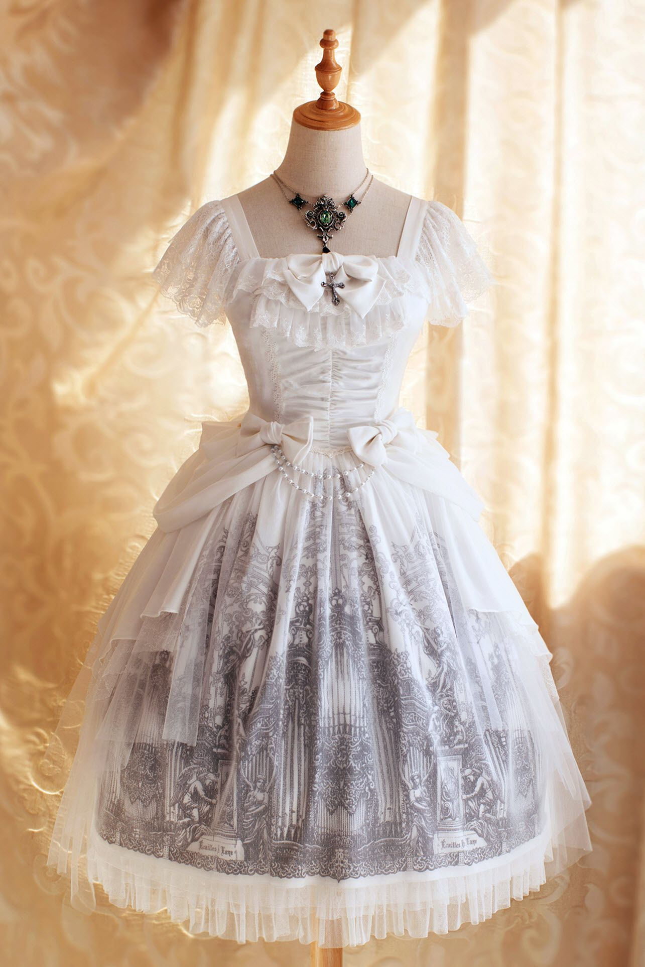 Gothic style wedding dresses  écailles De Lune Forest Of Pipe Organ Gothic Lolita Jumper Dress