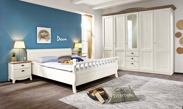 Slaapkamer Massief Hout : Romantische slaapkamer van massief hout in whitewash de