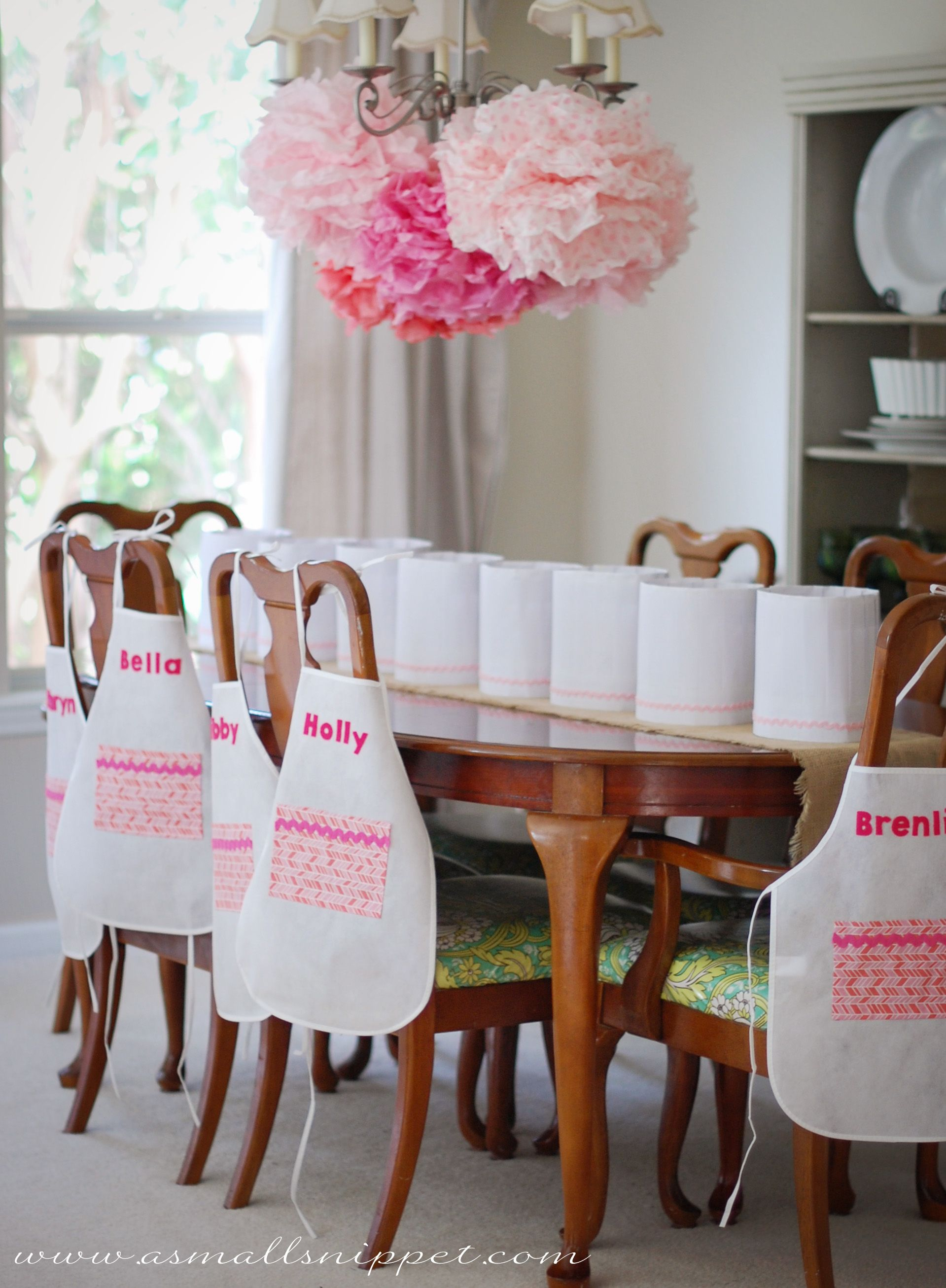 Girls cooking/baking party. Really cute tips on decor and easy cooking ideas for the kids!!