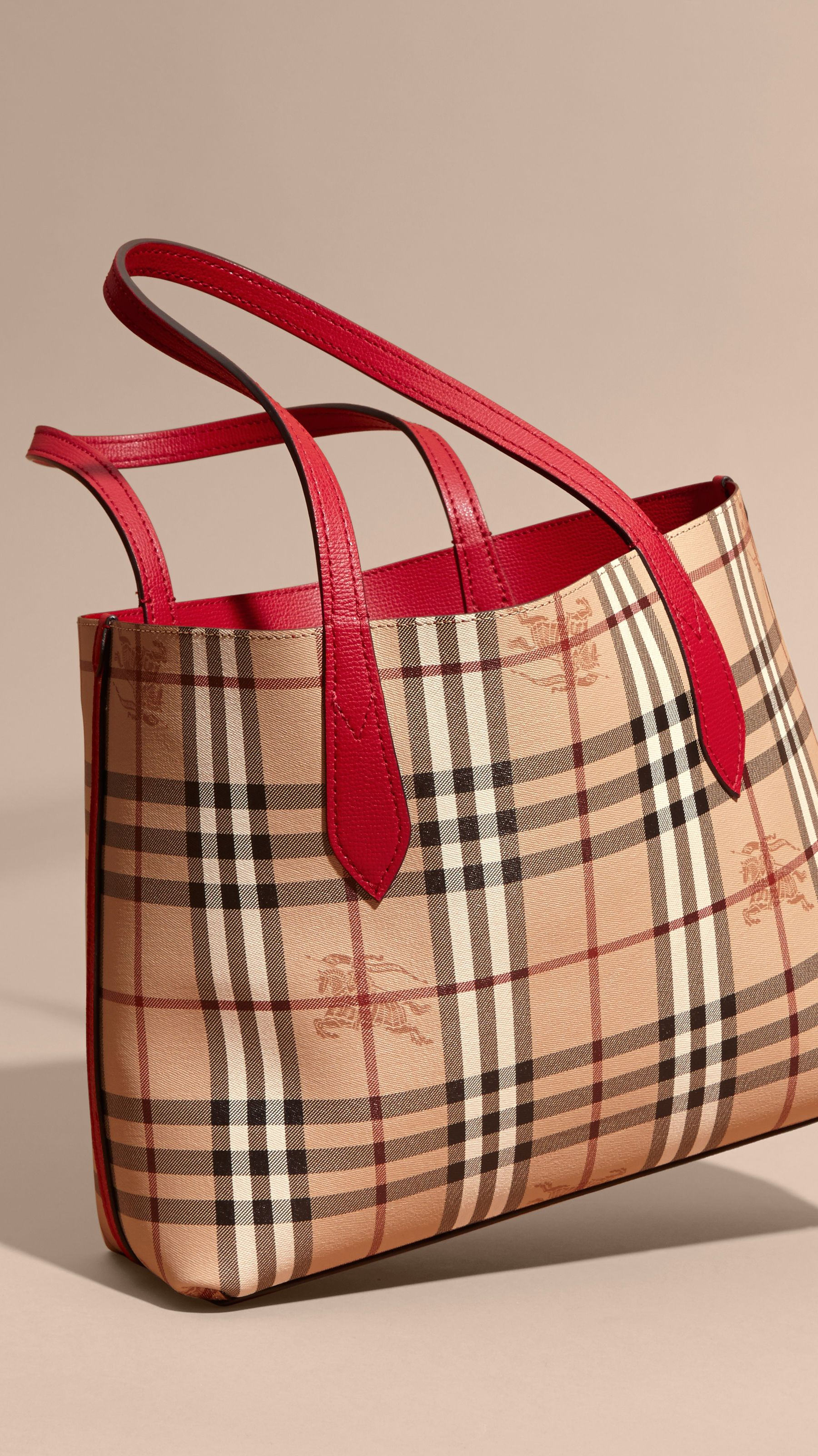 La borsa tote double face piccola con motivo Haymarket check e pelle Rosso  Papavero  7ff7f19eeba