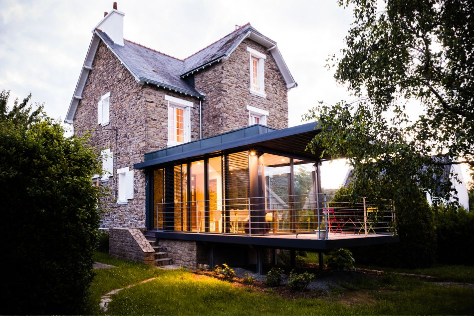 Agrandissement vitr d 39 une maison en pierre clohars for Agrandissement maison 59