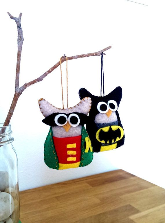 This felt owl ornament is dressed to impress! The Batman and Robin owl personalities make the perfect gift, favor, decoration, and friend. This