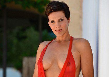 Sabine Petzl Hot