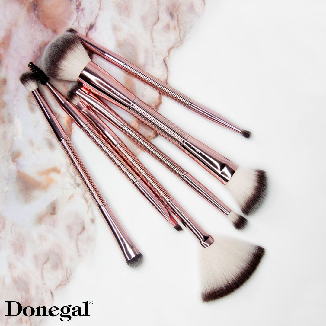 Podwojne Pedzle Do Makijazu Duo Brushi Duo Brushi By Donegal Donegal Donegalgirl Makiajaz Makeup Donegal Hair Accessories How To Make