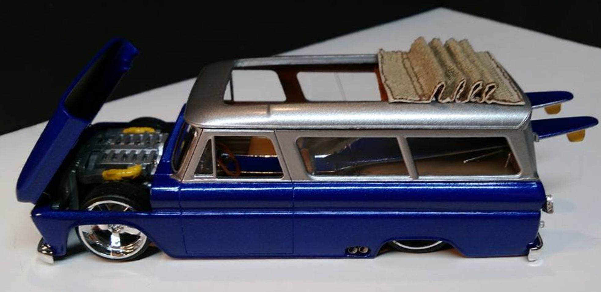 Lowrider car toys  Pin by Benjamin Carrasco on COLLECTABLES  Pinterest  Autos a