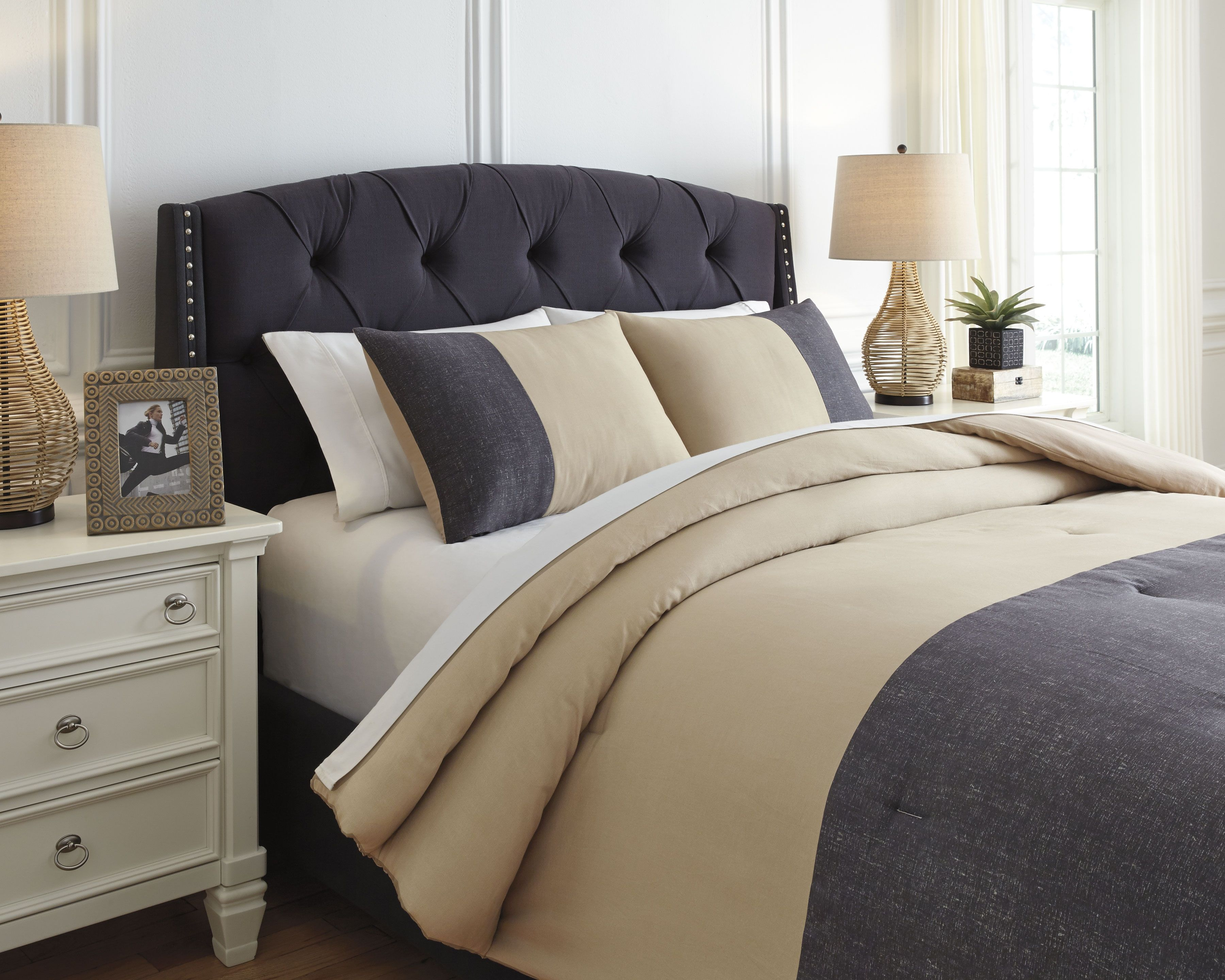 Medi 3 Piece Queen Comforter Set Charcoal Sand Comforter Sets King Comforter Sets Queen Comforter Sets