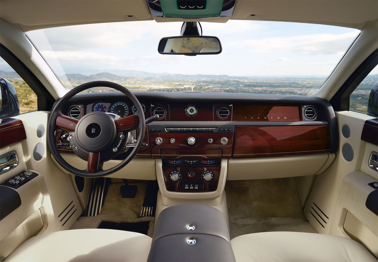 Rolls Royce Phantom Interior | Rolls Royce Phantom Extended Interior (1) |  Sense