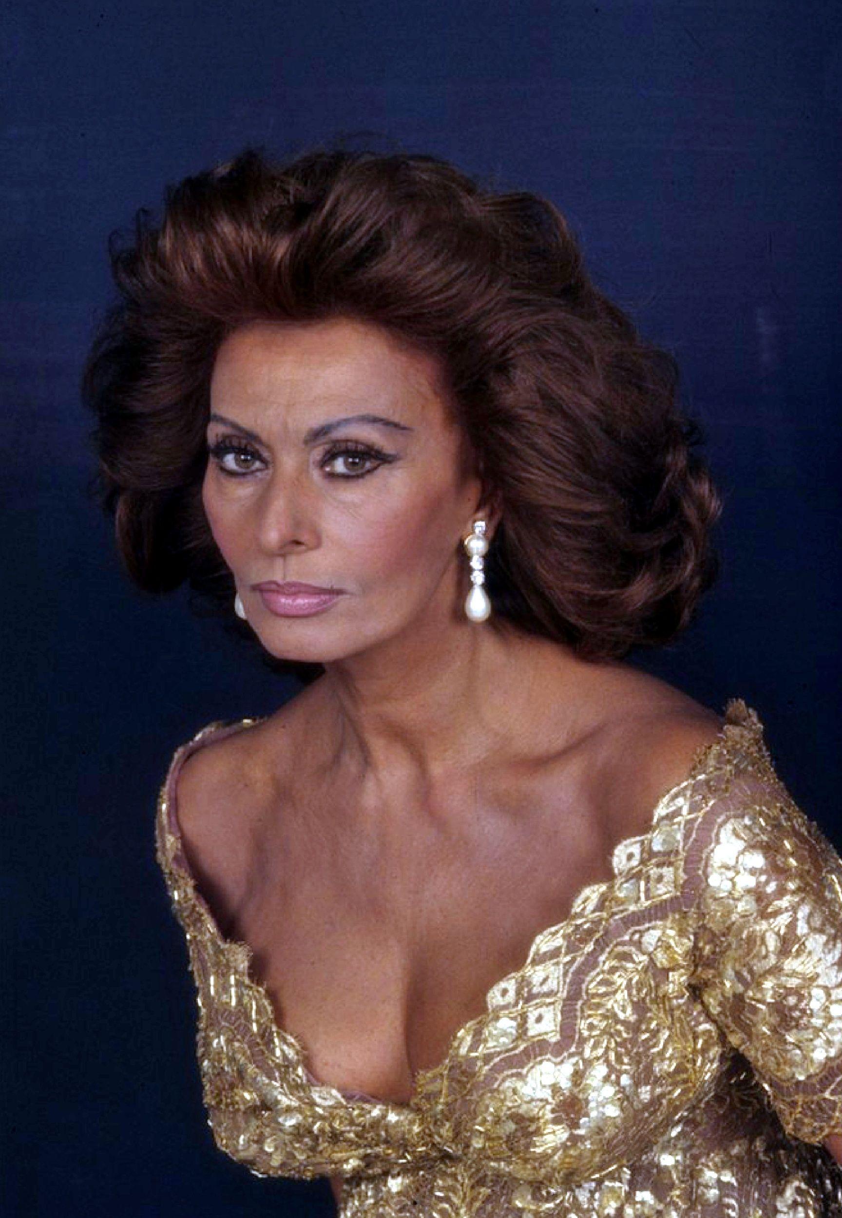 Pin by Olivia Fontana on Sophia in 2019 | Sophia Loren ...