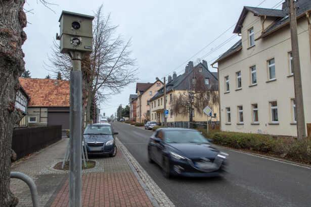 Lauter Knall Weckt Anwohner Blitzer Gesprengt Tag24 Todlicher Unfall Pyrotechnik Schone Bescherung