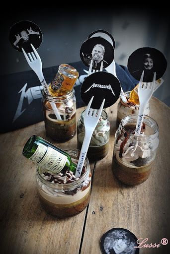 Metal Kitchen: Whiskey in a Jar cakes and METALLICA for all! #rockstarparty
