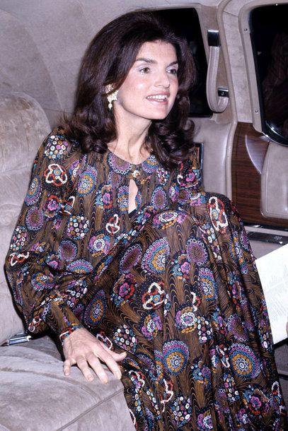 Der Stil Von Jackie Kennedy Onassis Jacqueline Kennedy Onassis 60er Jahre Mode Modestil