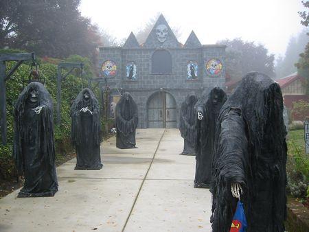 Grim Hollow Haunt: Davis Graveyard