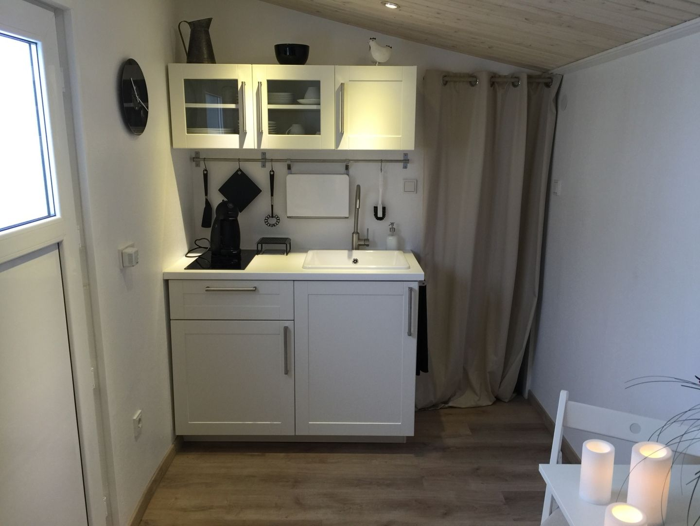 IkeaBauwagenMiniwohnung | Ikea küche, Kochfelder und Unterschränke