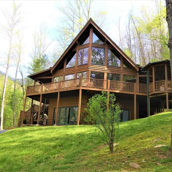 Pin By Garlicknott On Houses In 2020 Rental Apartments Nc Vacation House Rental
