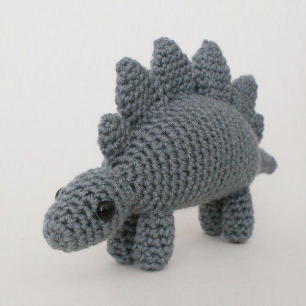 Stegosaurus - amigurumi dinosaur crochet pattern
