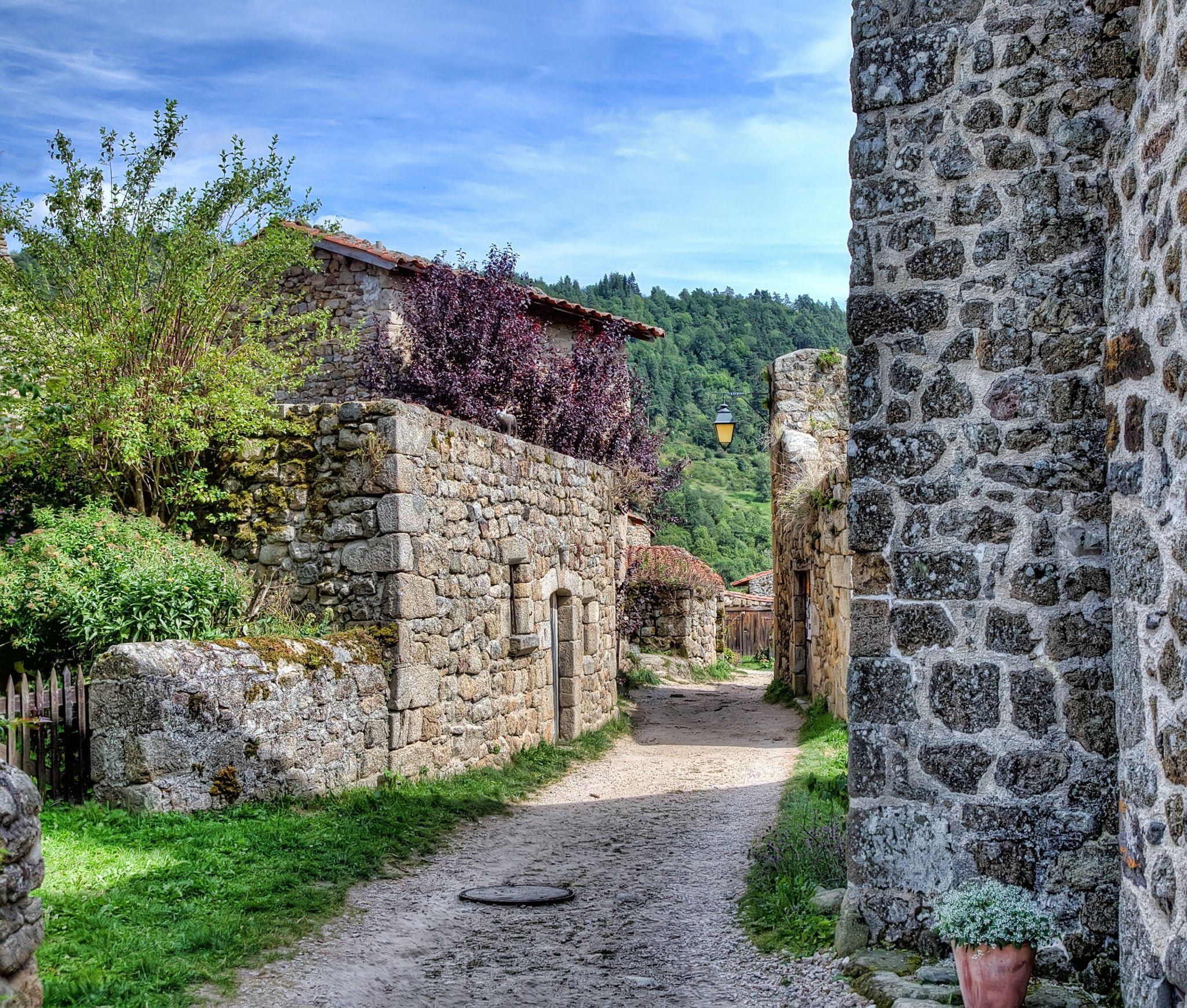 Chalencon, village médiéval by Guy Rougier on 500px