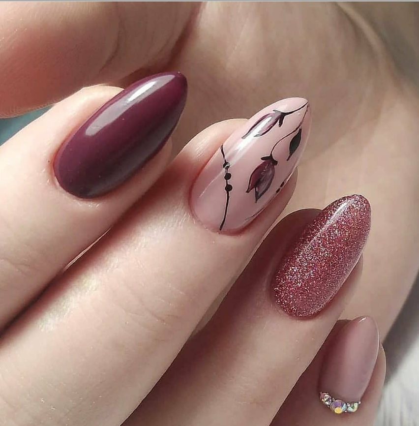 Pin By Samantha Carr On Girly In 2020 Oval Nails Designs Oval Nails Floral Nails