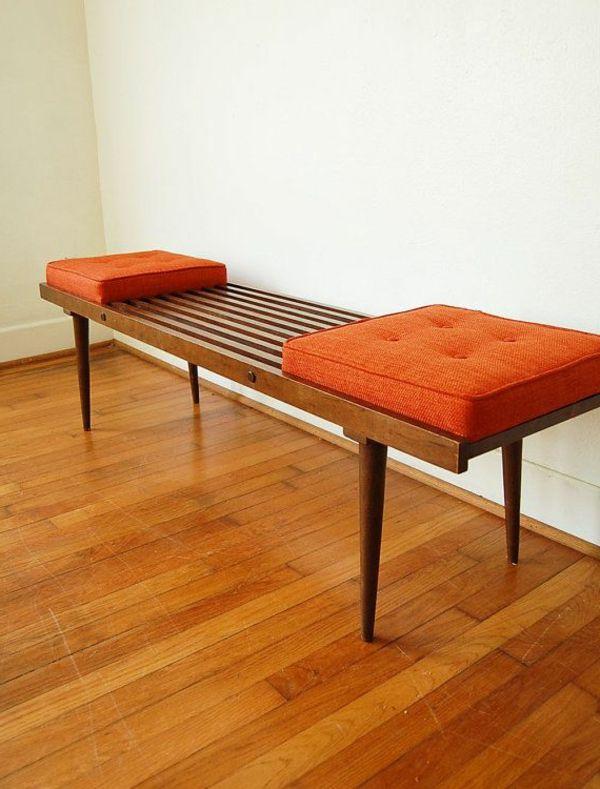 Retro Sitzbank mit Sitzkissen in Orange