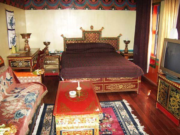 Tibetan Hotel Room In Lhasa With Images Furniture Hotels Room