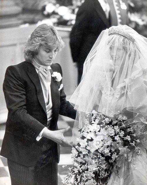 Lady Diana Spencer With David Emmanuel The Dress Designer Princess Diana Wedding Diana Wedding Princess Diana Family